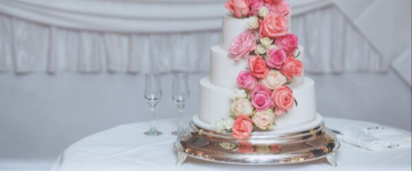 How to plan your perfect wedding cake